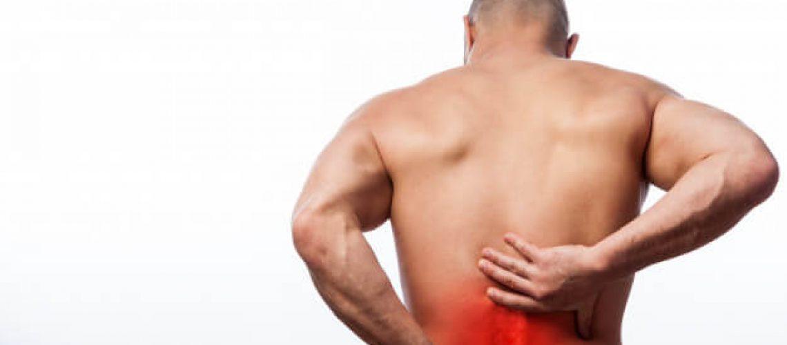 hombre dolor de espalda